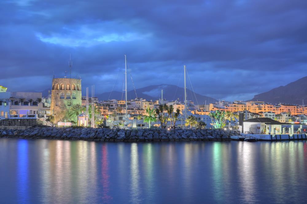 malaga airport transfers to puerto banus nights